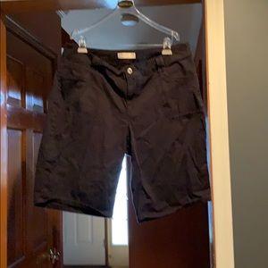 18W black shorts